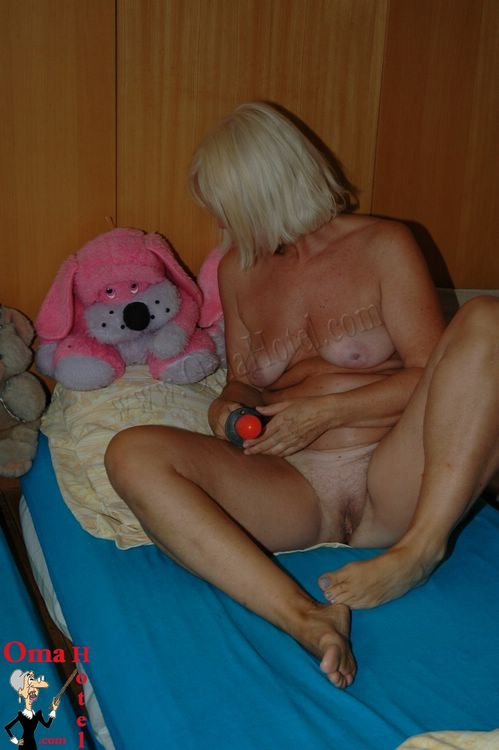 Grannies sex anal