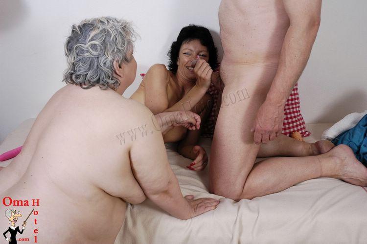 lesbians grannys